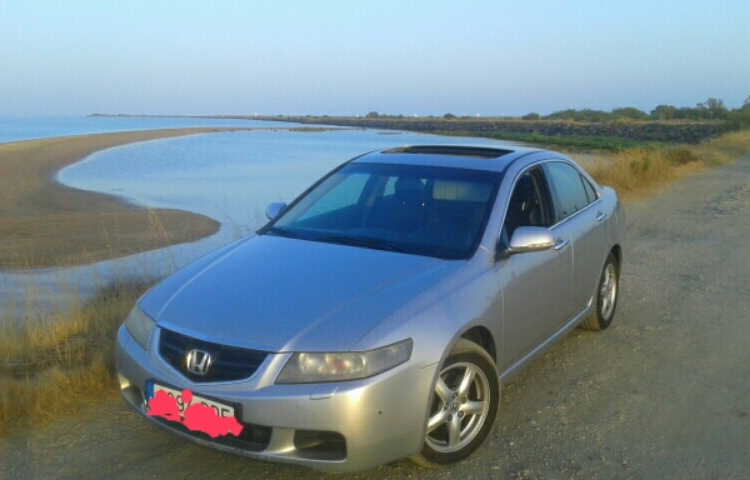 Hire a Honda Accord in Sevilla