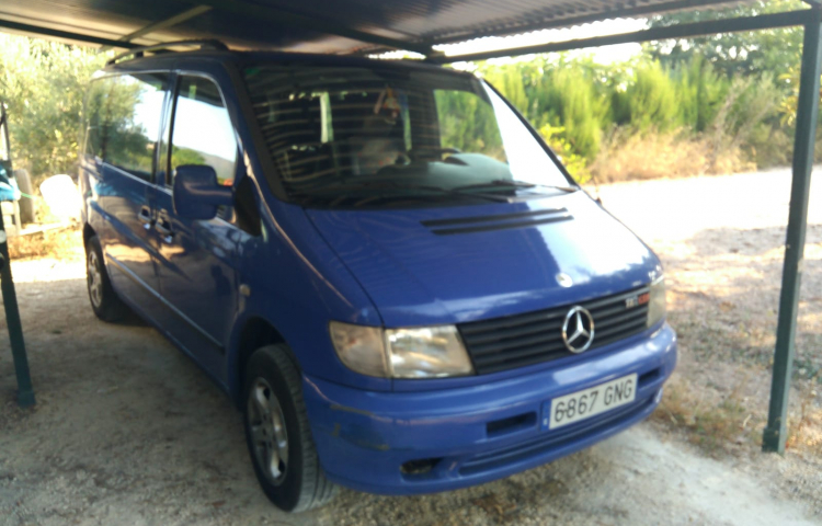 Hire a Mercedes Vito in Valencia
