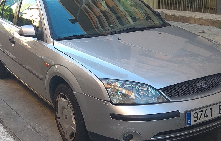 Hire a Ford Mondeo SW in Sevilla