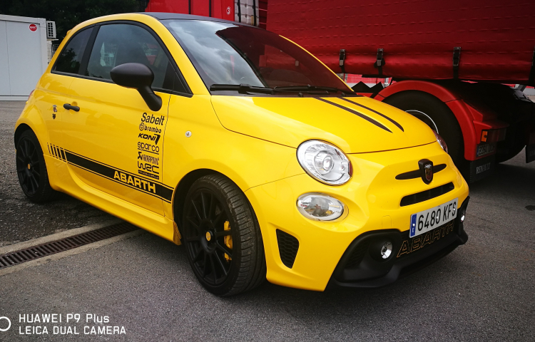 location fiat 500 abarth barcelone pour 200 sur socialcar. Black Bedroom Furniture Sets. Home Design Ideas