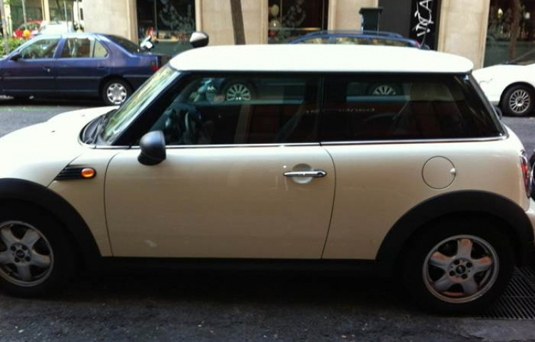 Hire a Mini One in Madrid