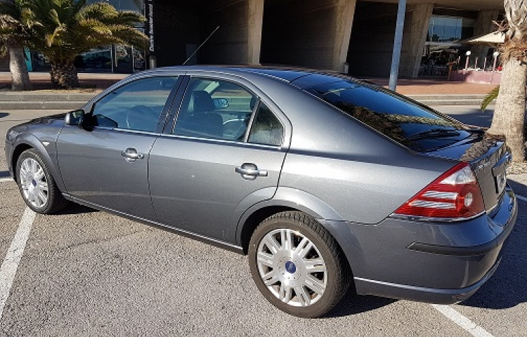 Hire a Ford Mondeo TDCI FUTURA in Barcelona