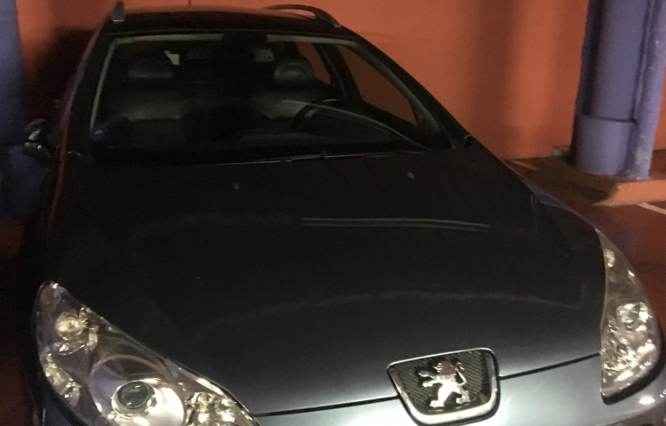Hire a Peugeot 407 Sw in Barcelona