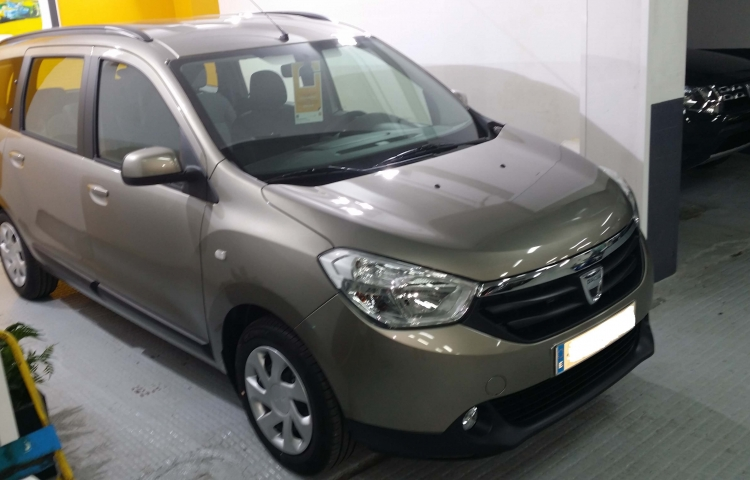 Hire a Dacia Lodgy in Madrid