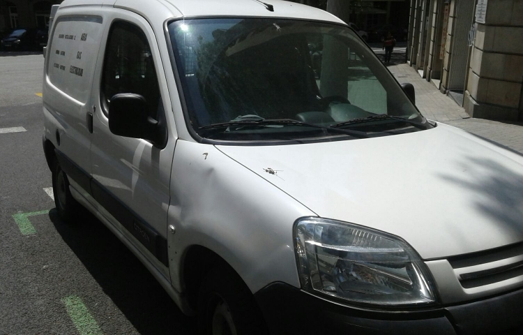 Hire a Citroen Berlingo in Barcelona