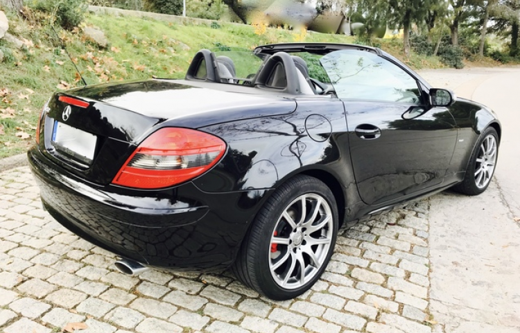 Hire a Mercedes SLK in Valencia