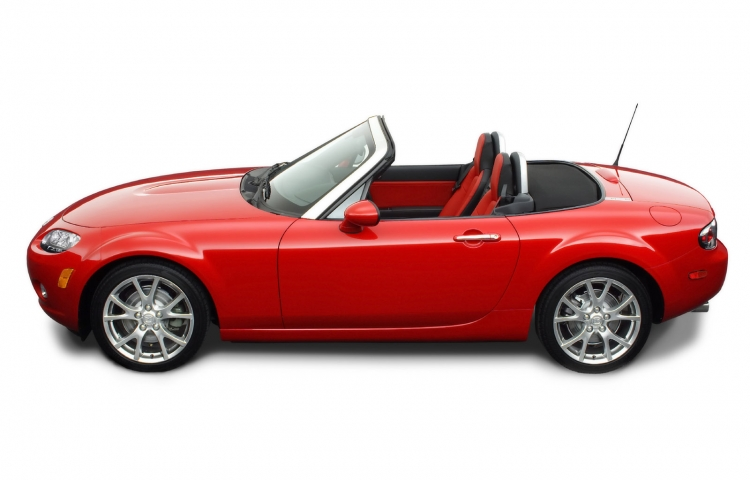 Hire a Mazda MX-5 in Valencia