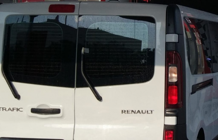 Hire a Renault Traffic in Sevilla