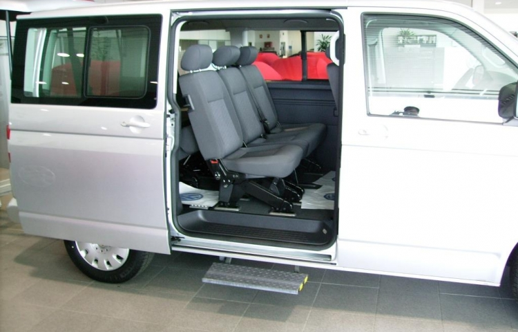 Hire a Volkswagen Caravelle in Barcelona