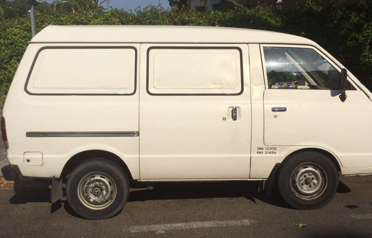 Hire a Nissan Vanette in Madrid