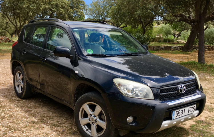 Hire a Toyota RAV4 in Madrid