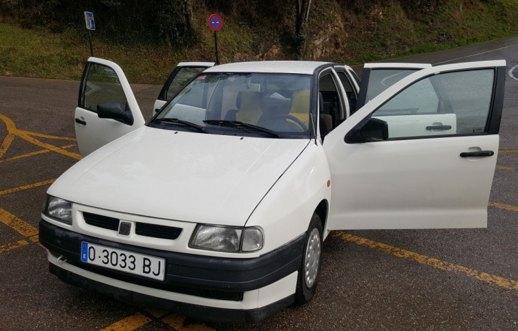 Hire a Seat Ibiza 1.9 in Oviedo