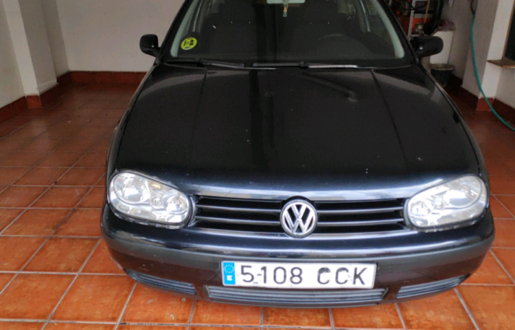 Hire a Volkswagen Golf in Santa Coloma de Gramenet