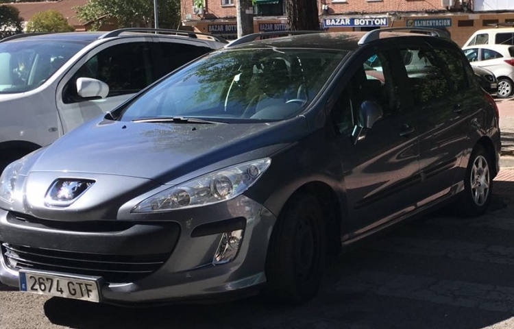 Hire a Peugeot 308 in Madrid