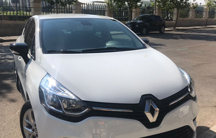 Hire a Renault Clio in Madrid