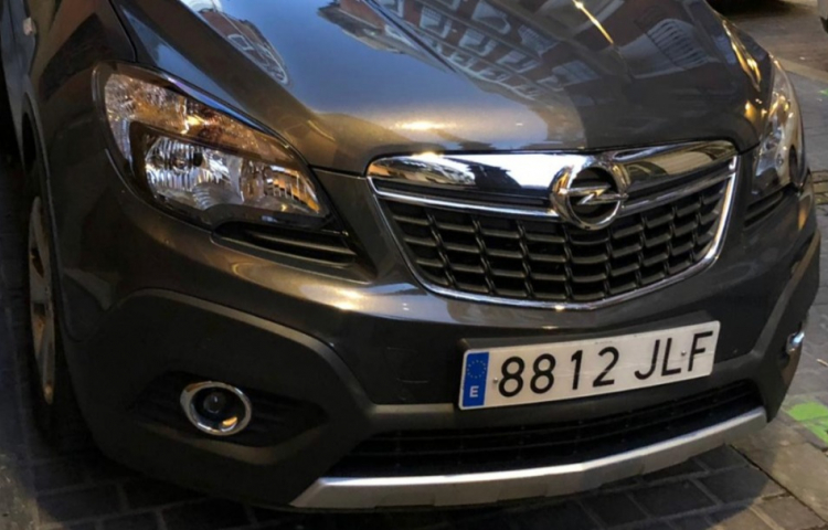 Hire a Opel Mokka in Madrid