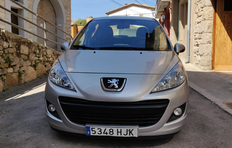 Hire a Peugeot 207 in Barcelona