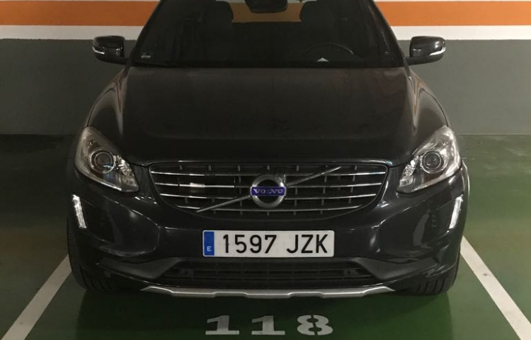 Hire a Volvo XC60 in Barcelona