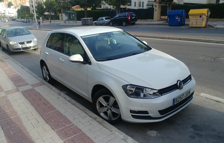 Hire a Volkswagen Golf in Málaga
