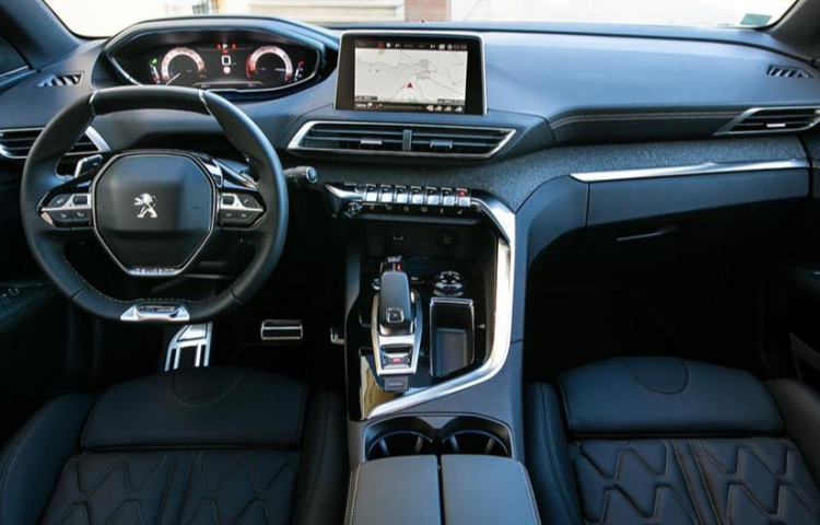 Hire a Peugeot 3008 in Valencia