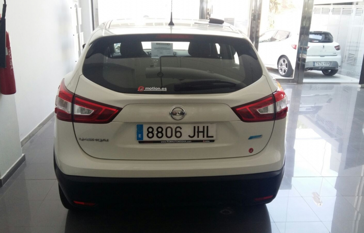 Hire a Nissan Qashqai in Barcelona