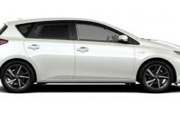 Hire a Toyota Auris in Barcelona