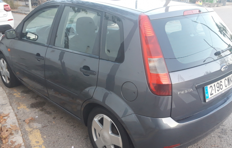 Hire a Ford Fiesta in Barcelona