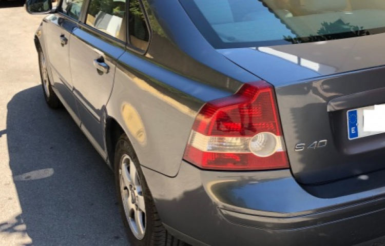 Hire a Volvo S40 in Sevilla