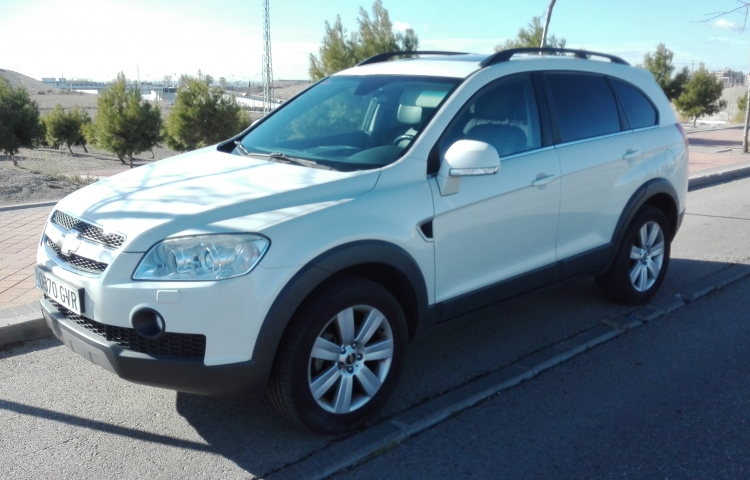 Hire a Chevrolet Captiva in Madrid