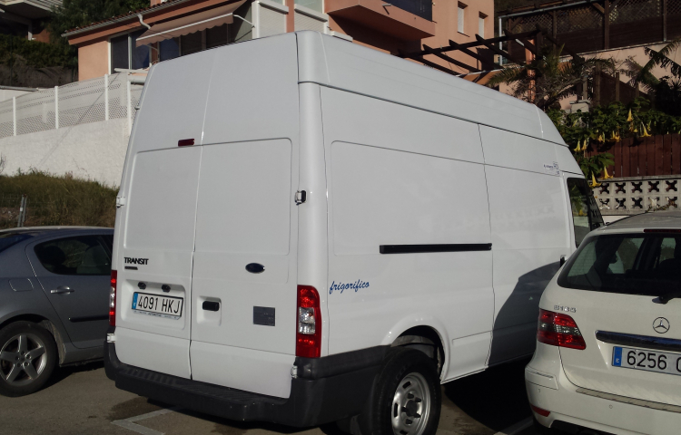 Hire a Ford Transit in Carbajosa de la Sagrada