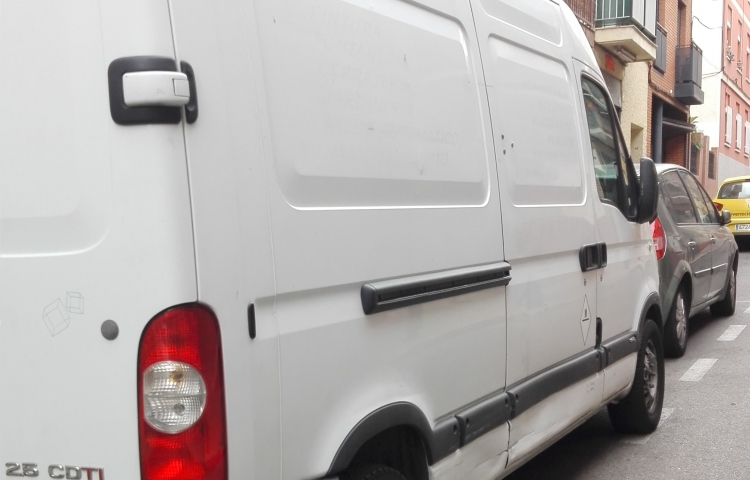 Hire a Opel Movano in Madrid