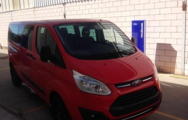 Hire a Ford Tourneo in Trujillo