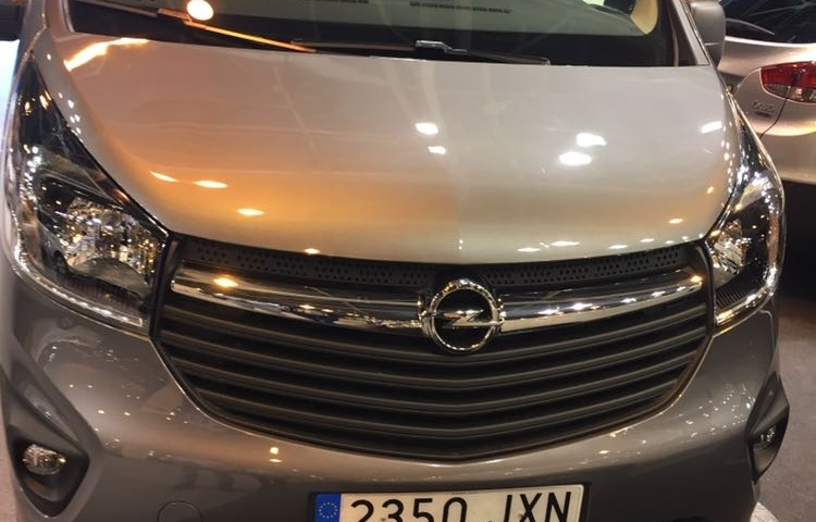 Hire a Opel Vivaro in Madrid