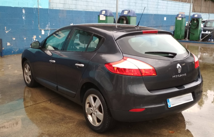 Hire a Renault Megane in Barcelona