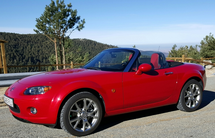 Hire a Mazda Mx5 in San Lorenzo de El Escorial