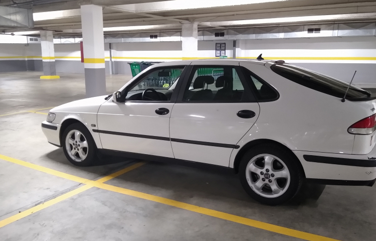 Hire a Saab 93 in Barcelona