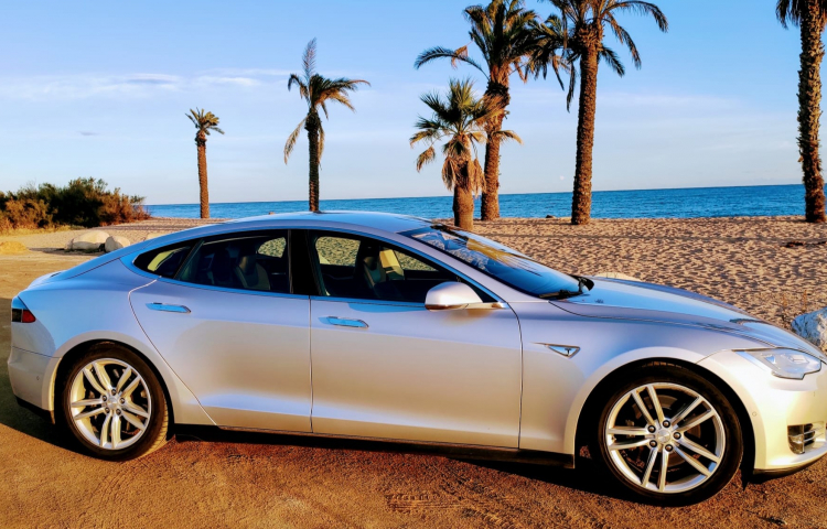 Hire a Tesla Model S in Barcelona