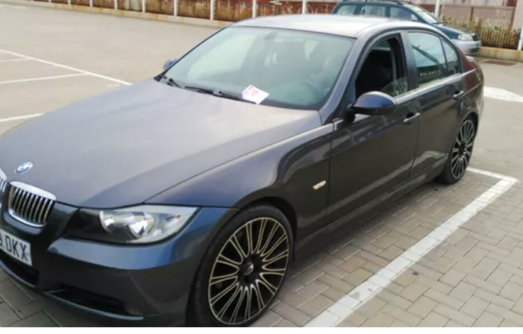 Hire a BMW Bmw Serie 3 in Ibiza
