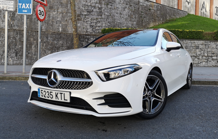 Hire a Mercedes Clase A in Bilbao