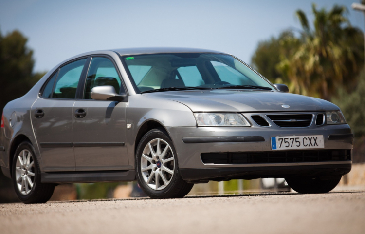 Hire a Saab 93 in Llucmajor