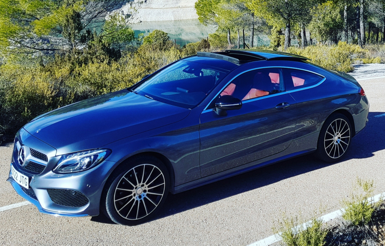 Hire a Mercedes Clase C in Madrid