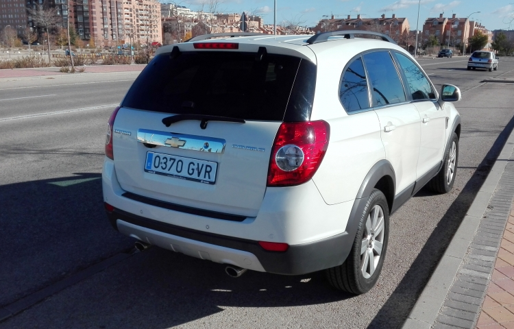 Louer Chevrolet Captiva à Madrid