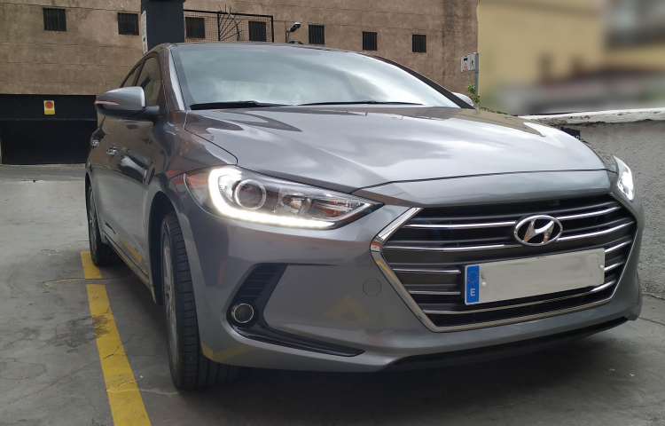Hire a Hyundai Elantra in Madrid