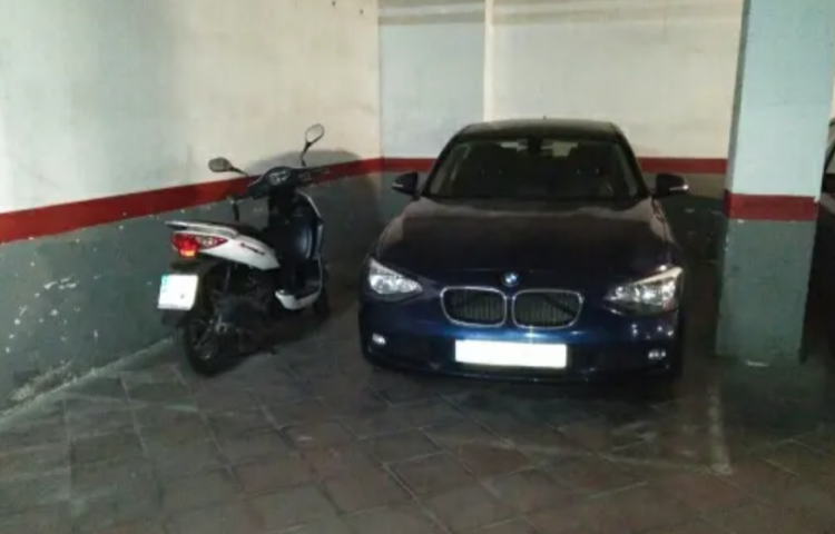 Hire a BMW Serie 1 5p in Barcelona