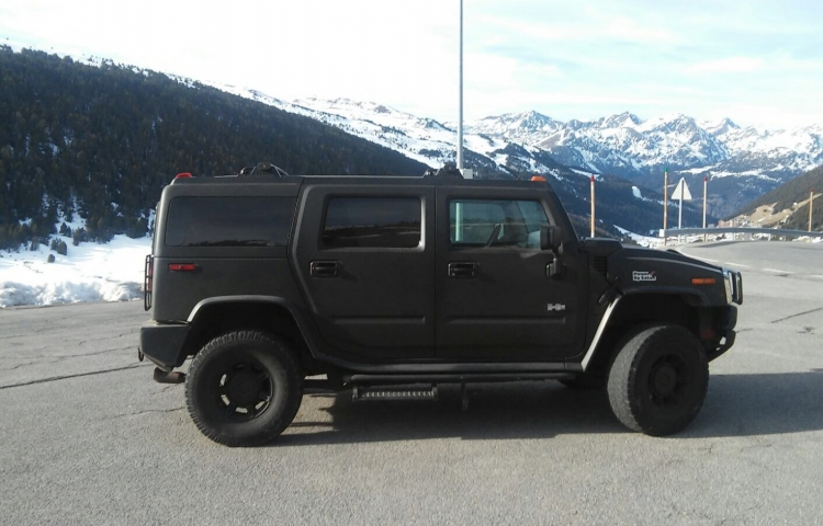 Hire a Hummer H2 in Madrid